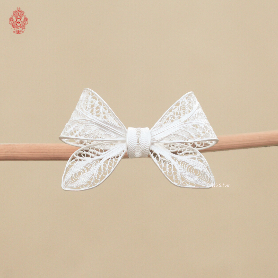 PRETTY RIBBON